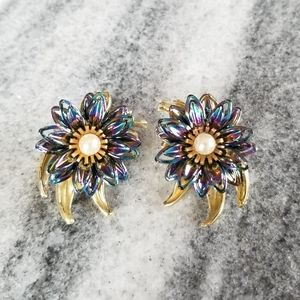 VTG Blue Irridesant Flower Earrings, Gold Tone